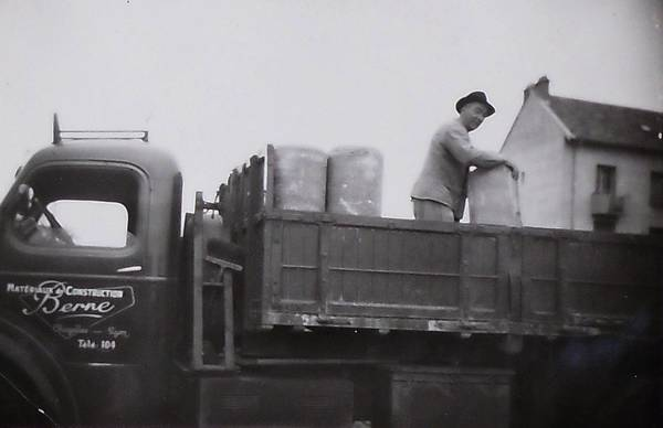 1945-s